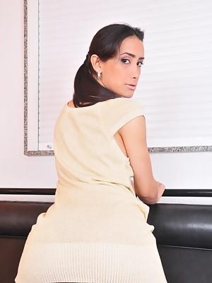 Super hot T-girl Juliana Nogueira stripping & posing